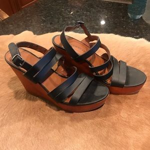Lucky Brand Strappy Wedge Sandal Black/Brown 8.5